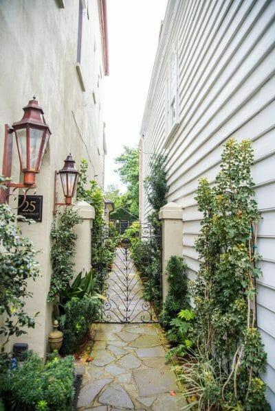 Alley in Charleston