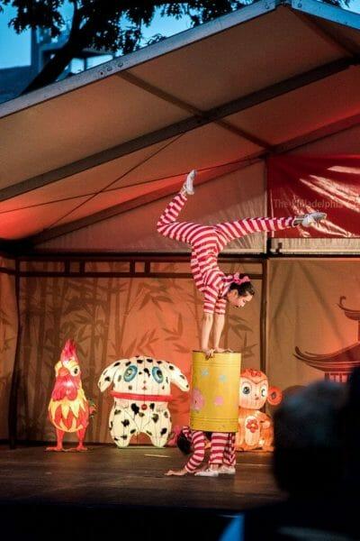 Chinese acrobat performance