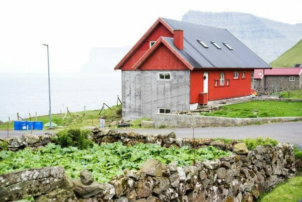 Red barn in Kalsoy