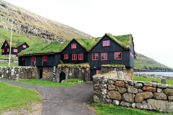 Kirkjubøur grass roof houses
