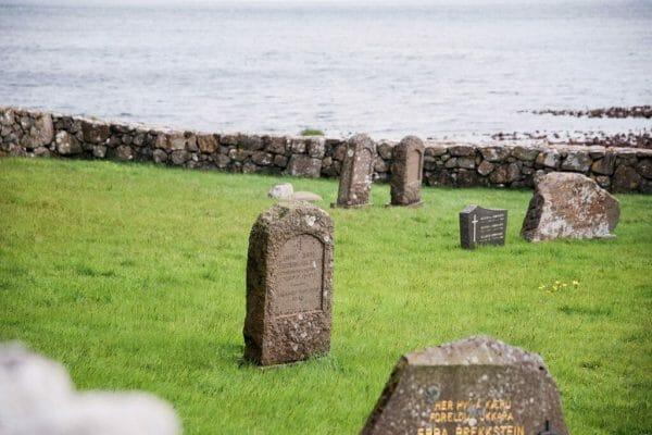 Kirkjubøur graveyard