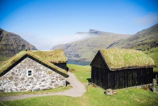 Saksun grass roof houses