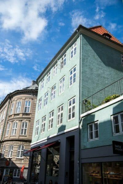 Teal house in Østerbro