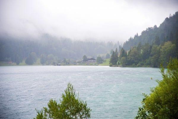 Foggy mountains on Hintersteiner See