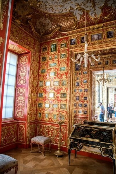 Small red and gold room in Residenz