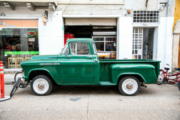 Old green truck in Cartagena